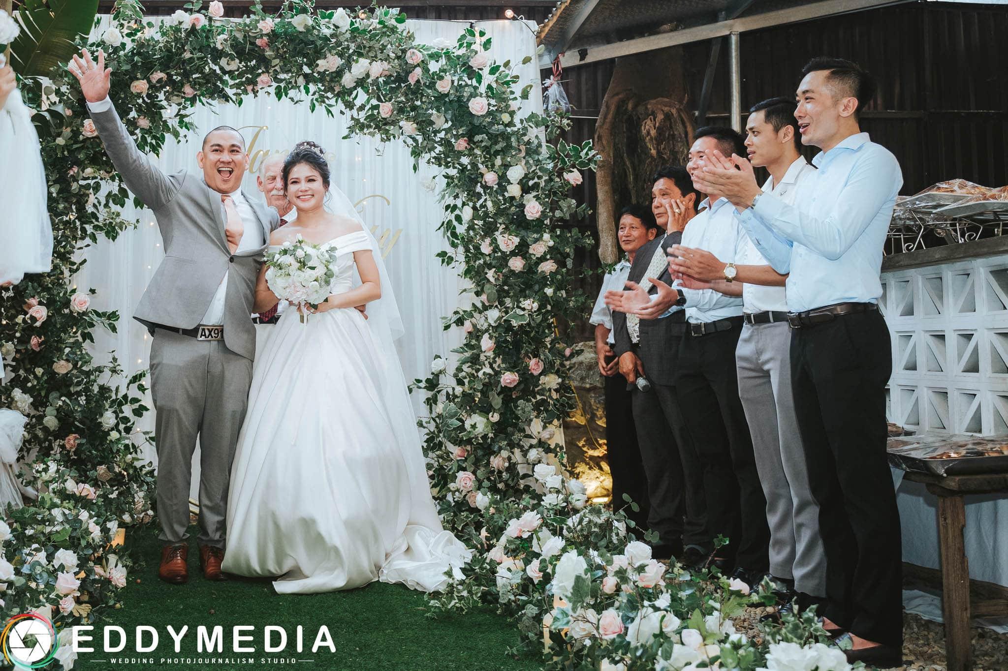 Chụp tiệc cưới ngoài trời với EddyMedia