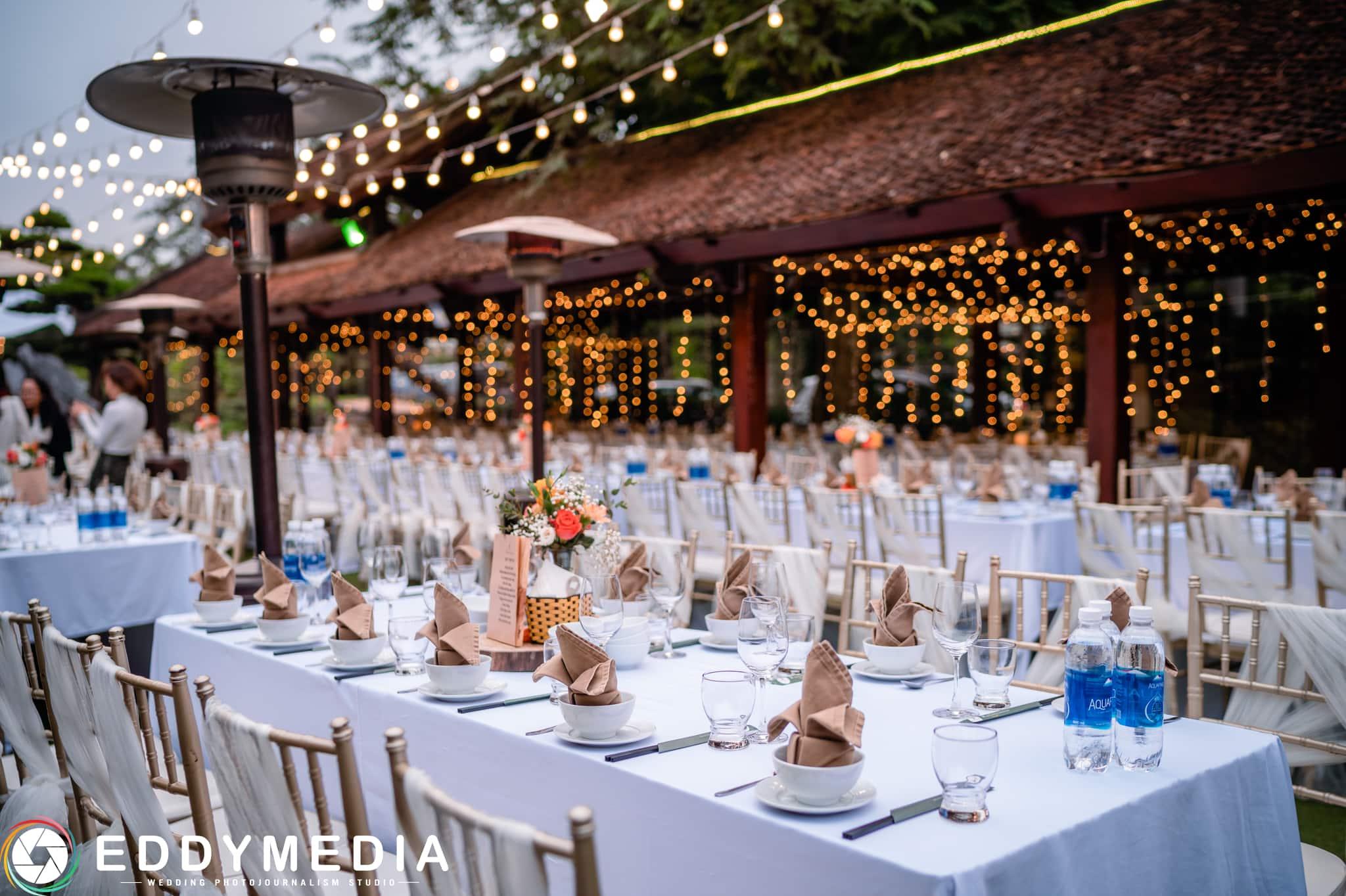 Phongsucuoi TrungHieu ThuPhuong EddyMedia 70 tiệc cưới ngoài trời