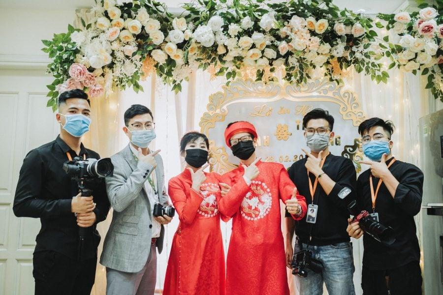 Dong Vinh Thuy Hang chụp ảnh ăn hỏi